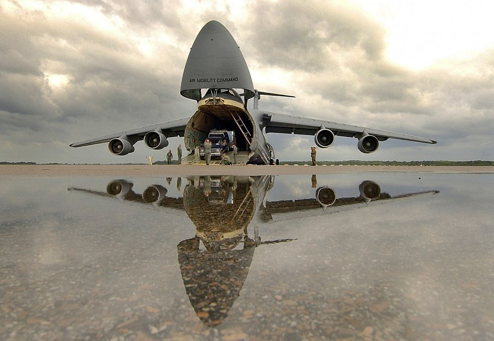 9. Lockheed C-5 Galaxy