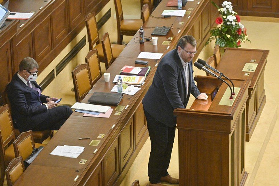 Poslanec Lubomír Volný ve Sněmovně.