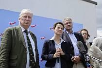 Obliba německé euroskeptické strany Alternativa pro Německo (AfD), kterou za poslední týden kvůli vnitřním rozporům opustilo deset procent členů, výrazně klesla.