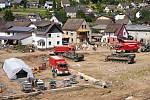Odstraňování škod po záplavách v Schuldu