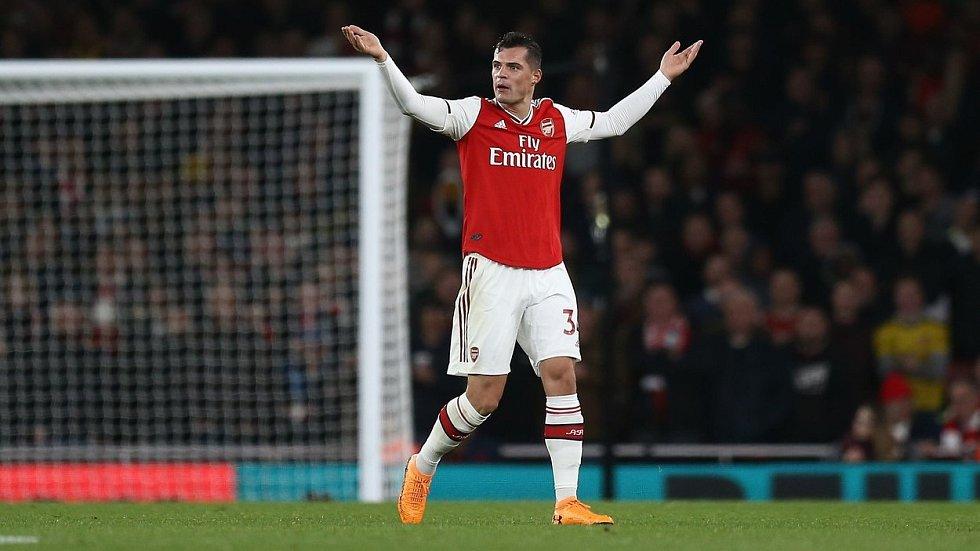 Kapitán londýnského Arsenalu Granit Xhaka.