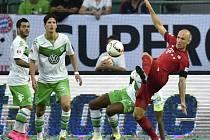 Arjen Robben sice poslal Bayern do vedení, ale k zisku trofeje to proti Wolfsburgu nevedlo
