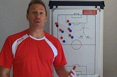Thomas Gronnemark, trenér Liverpoolu na autová vhazování.