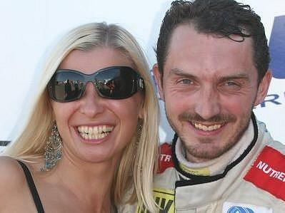 David Vršecký se v po závodě nechal vyfotografovat s překladatelkou chorvatského pilota Niko Puliče. Ten tento rok Evropský šampionát nejede, ale příští sezonu má zájem zasednout do české buggyry.