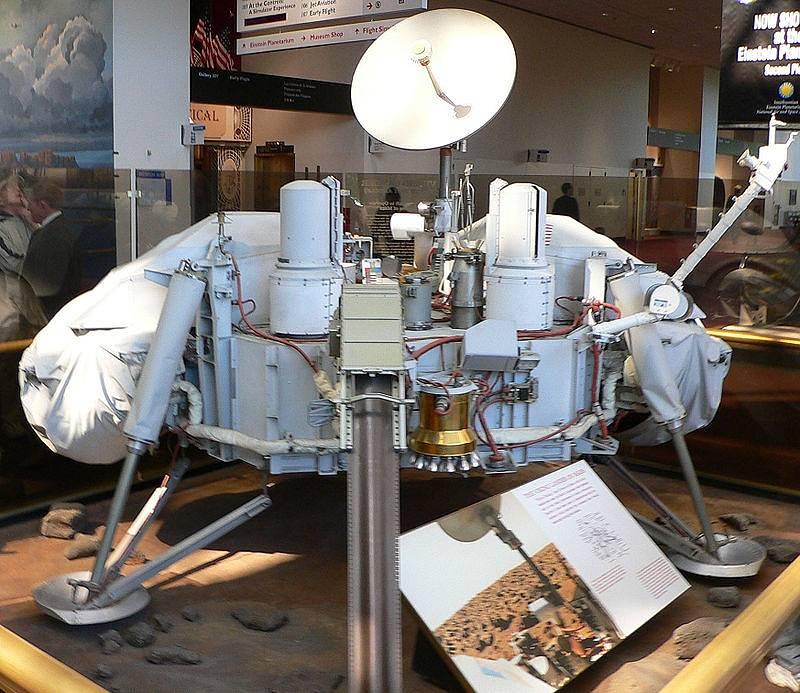 Model přistávacího modulu Viking 1.