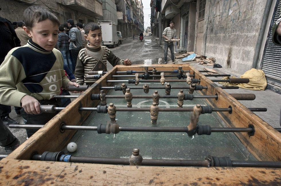 Člověk v tísni opravil školku v syrském Aleppu.