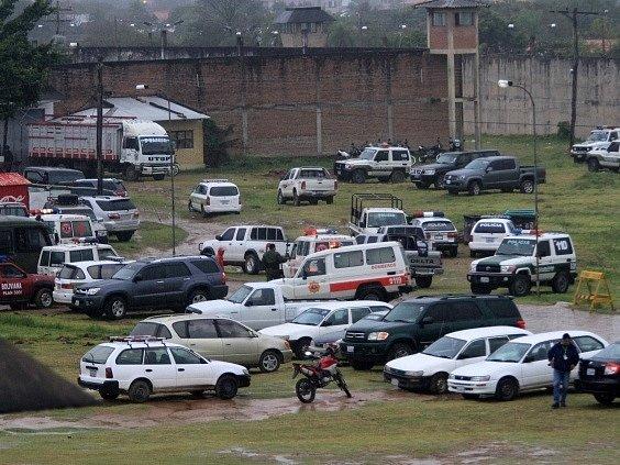 Nepokoje v bolívijské věznici Palmasola si vyžádaly desítky mrtvých.