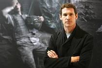 Válka v Libyi má už i prominentní, talentované oběti: na Oscara nominovaného filmaře (snímek Restrepo o Afghánistánu), britského fotografa a držitele ceny World Press Photo Tima Hetheringtona.