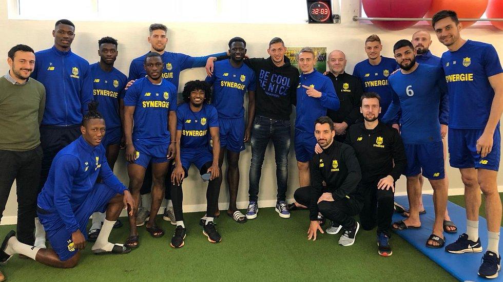 Rozlučka Emiliana Saly s bývalými spoluhráči z FC Nantes
