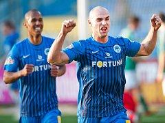 Jan Nezmar z Liberce se raduje z gólu.