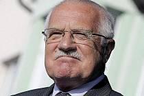 Prezident Václav Klaus podepsal zákon o státním rozpočtu na rok 2011, který ve sněmovně prosadila přes nesouhlas opozice koaliční vláda Petra Nečase