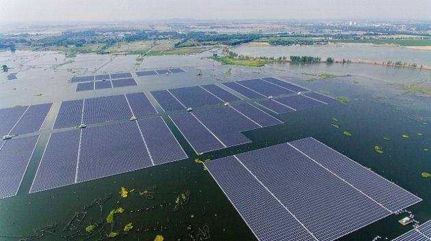 Unikátní plovoucí solární systém