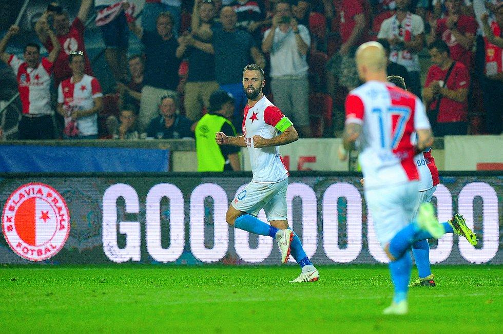 Fotbalové utkání 3. předkola Ligy mistrů mezi celky SK Slavia Praha a FK Dynamo Kyjev 7. srpna v Praze. Josef Hušbauer.