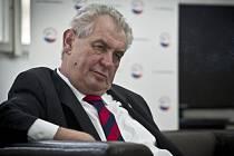 Kandidát na prezidenta České republiky Miloš Zeman při online rozhovoru pro Deník.