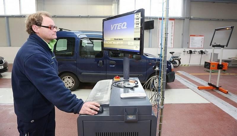 STK. Stanice technické kontroly. Ilustrační foto