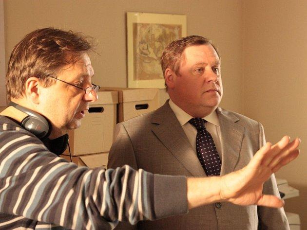 PŘI PRÁCI. Režisér Milan Šteindler s Václavem Koptou.
