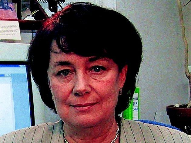 Podle Evy Sýkorové, ředitelky Ústavu experimentální medicíny Akademie věd ČR, je největším nepřítelem dnešních dětí kromě drog a počítačových her i slabé rodinné zázemí.