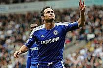 Tři. Přesně tolik gólů vstřelil Frank Lampard do sítě Boltonu.