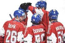 Radost na závěr. Čeští hokejisté se v posledním utkání Karjala Cupu dočkali premiérové výhry pod trenérem Říhou. Rusko porazili 5:2