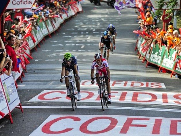 Alejandro Valverde (vlevo) a Joaquin Rodriguez v cíli třetí etapy Vuelty.