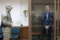 Bývalý ruský novinář a nyní poradce šéfa ruské vesmírné agentury Roskosmos Ivan Safronov, kterého ruské úřady podezírají ze spolupráce s českou rozvědkou, u soudu