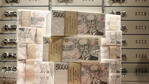 Bankovky. Ilustrační snímek