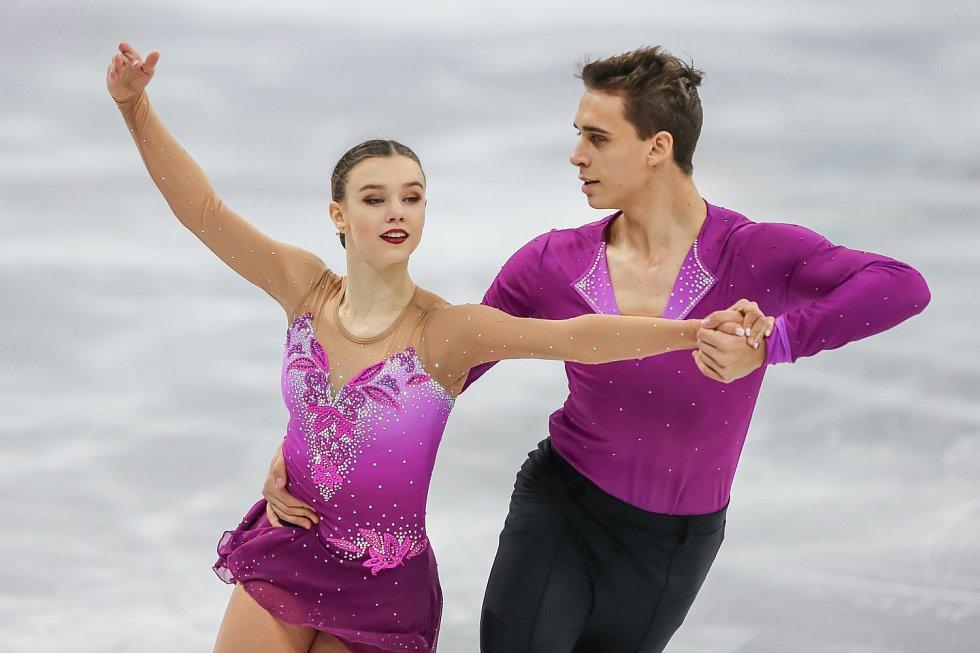 Anna Dušková a Martin Bidař během krátkého programu na olympijských hrách v Pchjongčchangu.