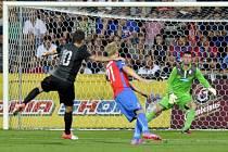 Adrian Mutu v zápase proti Plzni