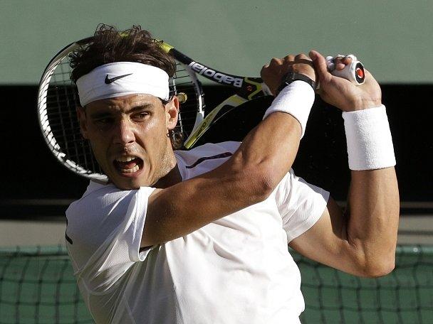 Rafael Nadal v duelu proti Čechovi Lukáši Rosolovi.