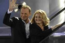 Volby v Polsku - premiér Donald Tusk s manželkou Malgorzatou