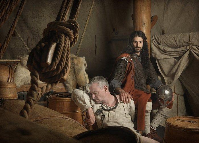 """Umělecká rekonstrukce """"jihoevropských Vikingů"""" na fotografii dánského umělce Jima Lyngvilda"""