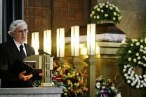 Poslední rozloučení s režisérem Břetislavem Pojarem proběhlo 19. října ve strašnickém krematoriu v Praze.