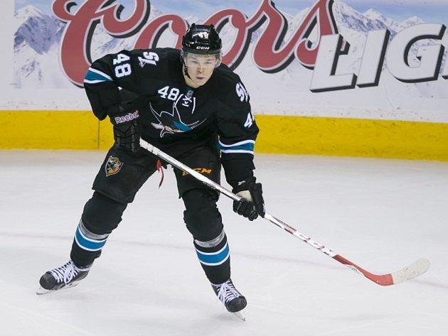 Hokejový šikula Tomáš Hertl si v loňské sezoně získal sympatie fanoušků San Jose. Co předvede v té letošní?
