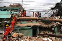 Následky zemětřesení v Nepálu.