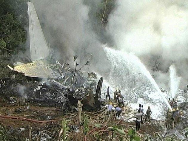 Letecké neštěstí v Indii.