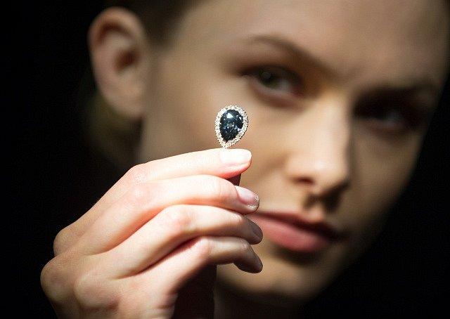 Diamant Farnese Blue