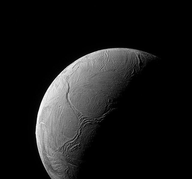 Měsíc Enceladus