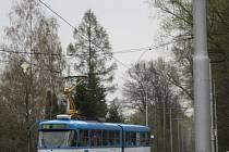 Na trati přibyla výstražná světla, řidiči mají nové povinnosti, které zvyšují jejich pozornost.