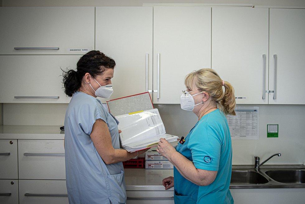 Lékařka Šárka Mostýnová a její ordinace. Ilustrační foto.