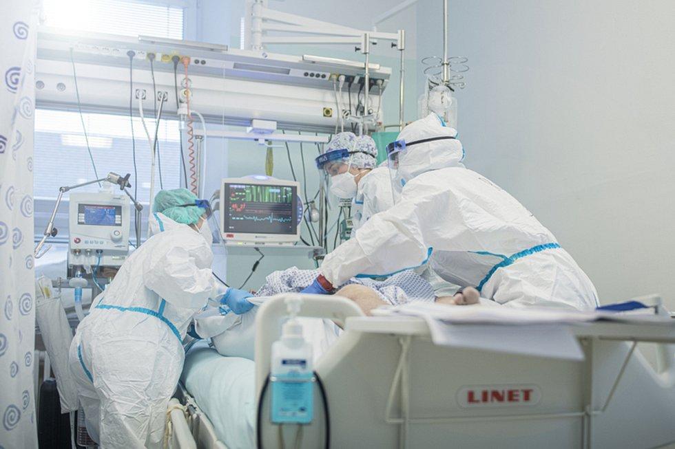 Péče o pacienty s covidem-19 v Liberci
