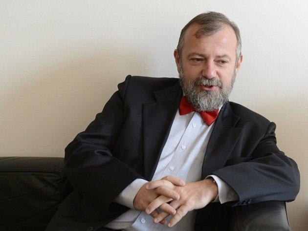 Ředitel hradního zahraničního odboru Hynek Kmoníček.