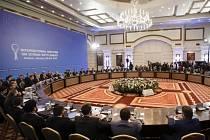 V kazašské metropoli dnes začaly mírové rozhovory o Sýrii, které zprostředkovalo Rusko a Turecko.
