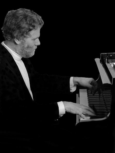 Klavírní virtuóz Eric Lemarquis.
