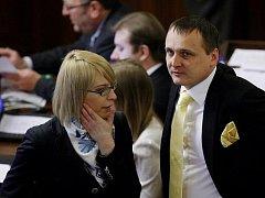 Šéfka poslaneckého klubu vládních Věcí veřejných Kristýna Kočí je druhým poslancem strany, který podal trestní oznámení kvůli penězům od ministra dopravy Víta Bárty.