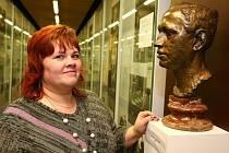 V muzeu bratří Čapků provází Martina Siborová.
