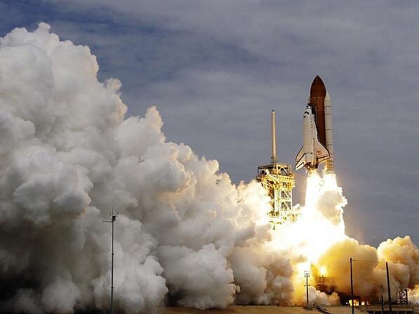 Raketoplán Atlantis odstartoval do vesmíru.