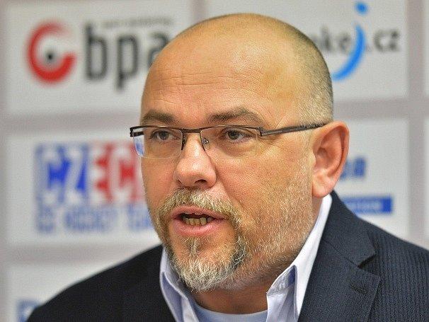 Trenér hokejové reprezentace dvacetiletých Miroslav Přerost.