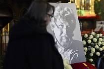 V bazilice sv. Petra a Pavla na pražském Vyšehradě se konala 7. dubna veřejná část posledního rozloučení s kameramanem Miroslavem Ondříčkem, který zemřel 28. března ve věku 80 let.