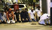 Útok v Londýně. Dodávka najela do lidí před mešitou