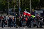 Lidé už na česko-polské hranici proti uzavření hranic protestovali v sobotu 25. dubna v Českém Těšíně a v Těšíně.
